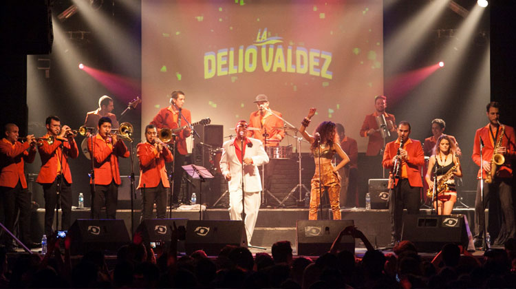 Contratar-la-Delio-Valdez
